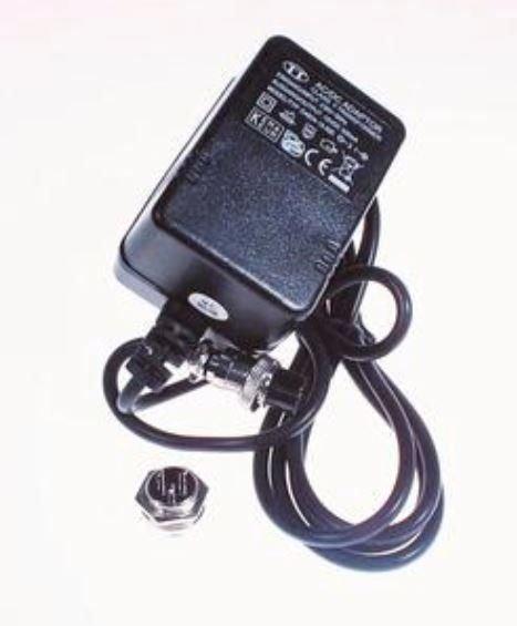 EUROLITE Virtalähde 15V/ 500mA 3-Pol LCD-8 &